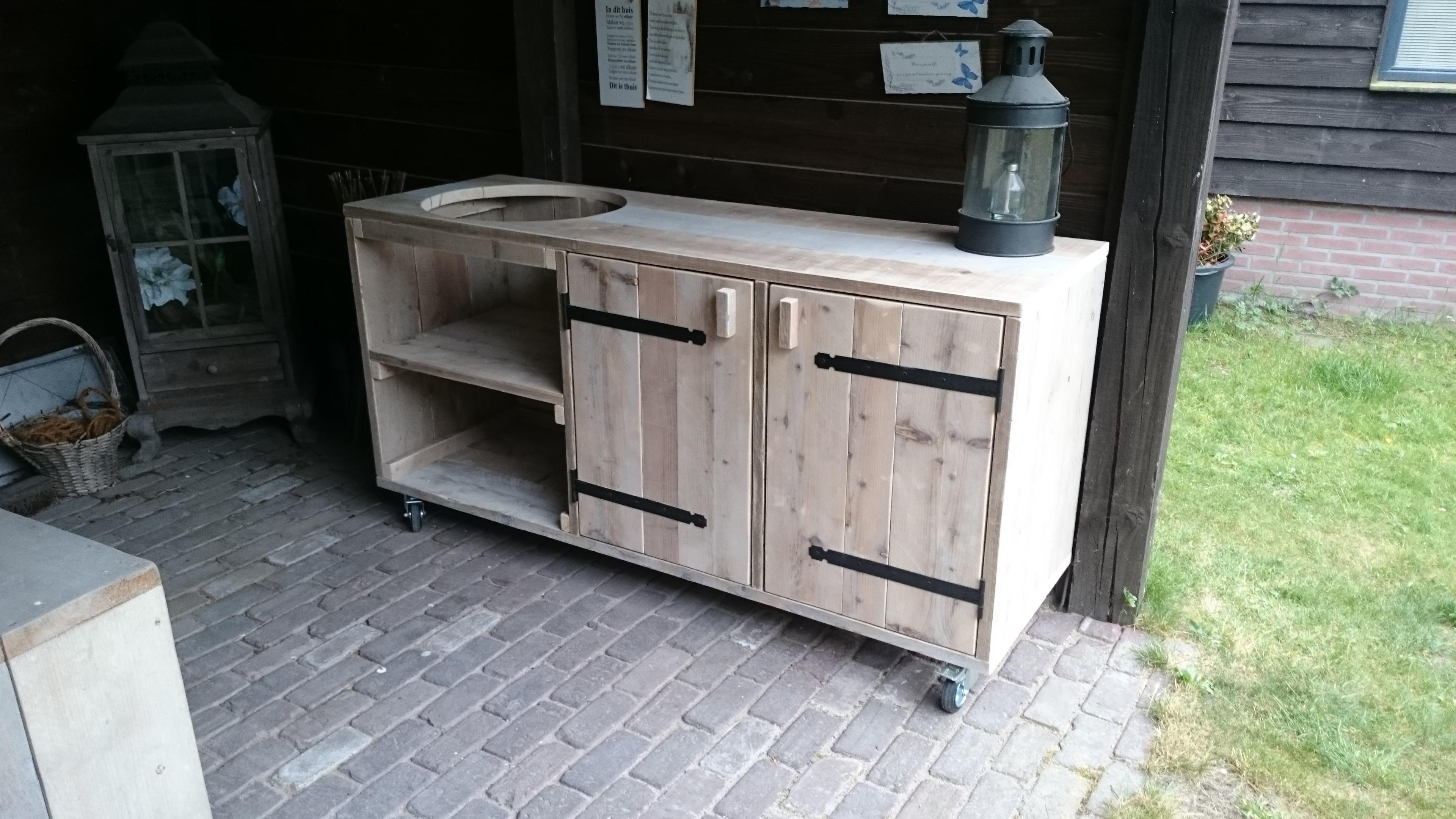 Steigerhouten bbq tafel meubel de bruin steigerplanken for Bbq tafel maken